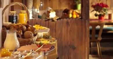 Fruehstuecksbuffet im Hotel