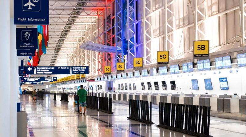 Halle und Gates am Flughafen