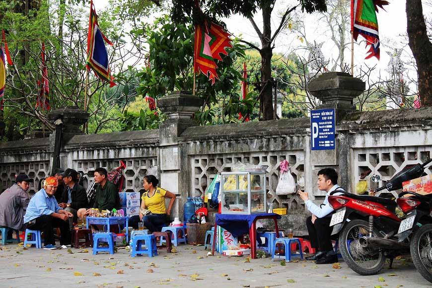 Straßencafe in Hanoi