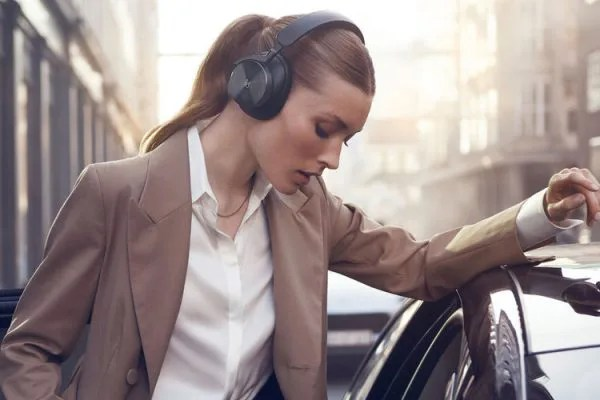 153523-homepage-news-beoplay-h95-are-bang-and-olufsen-s-flagship-headphones-to-celebrate-95-years-image1-0rjfd8gsc4
