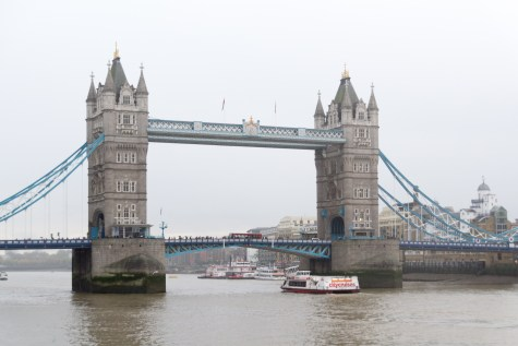 Tower Bridge London im Nieselregen