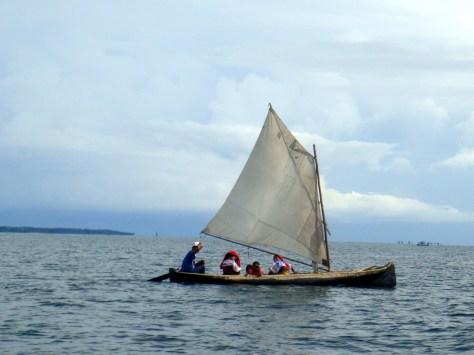 Segelboot mit Kuna-Frauen
