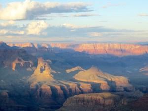 Blick auf den Grand Canyon im Abendlicht