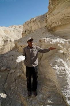 Israel Reisen Reisetipps - weisse Tonerde in der Wüste Negev