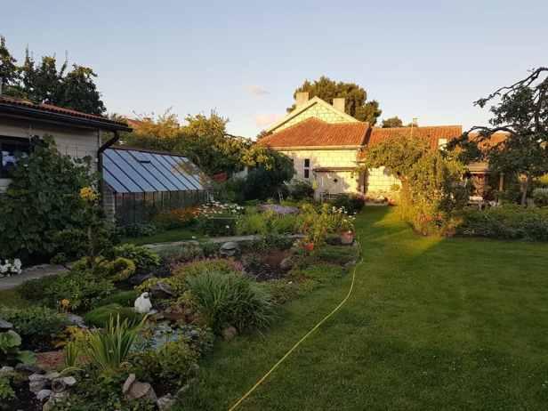 De tuin van onze gastvrouw in Kuressaare op Saarema