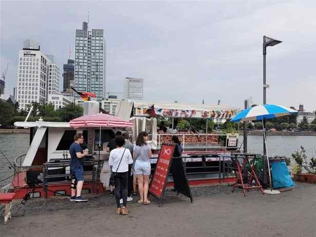 Frankfurt visboot Istanbul