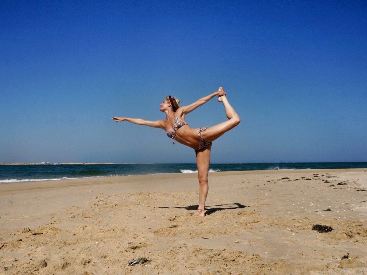 Yoga op het strand in Portugal