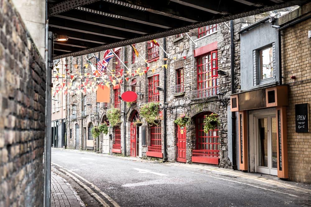 Hyggelig gade i Dublin