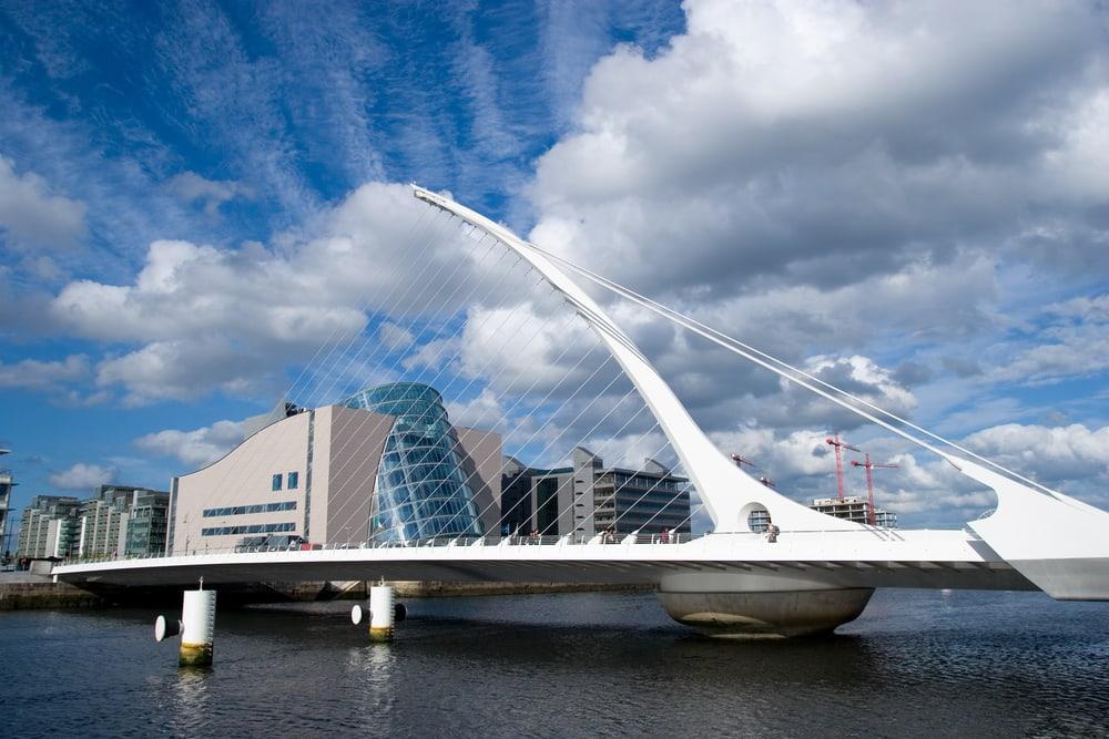 Dublin i Irland: sSmuel Beckett Bridge
