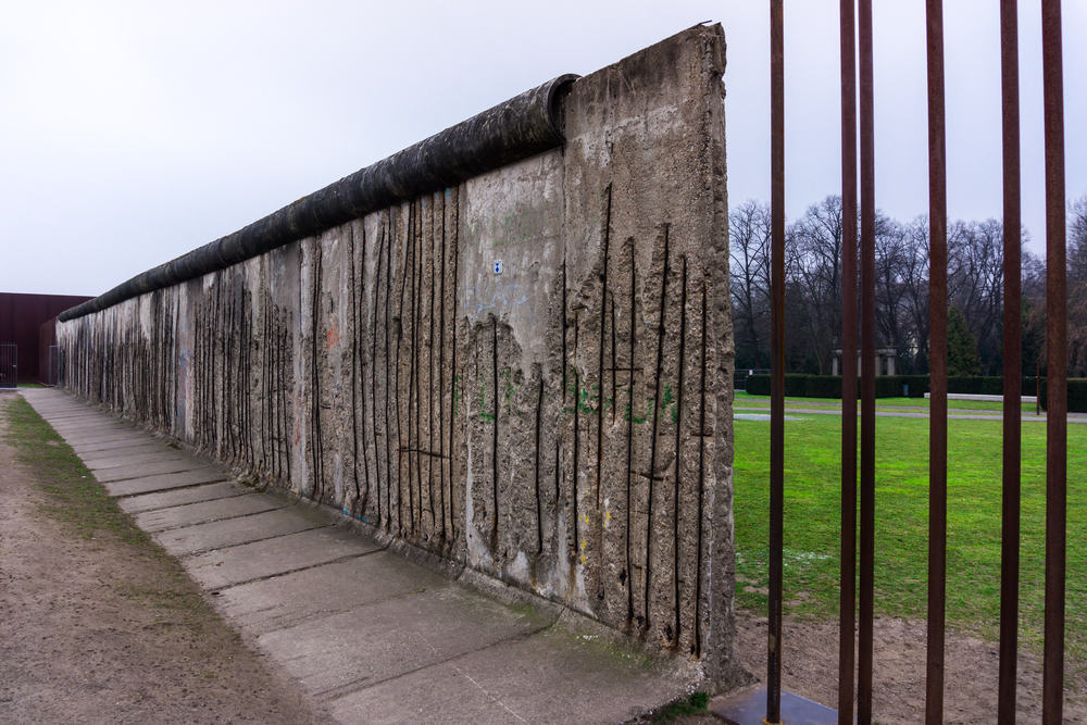 Ret af berlinmuren i Bernauer Strasse - Berlin i Tyskland