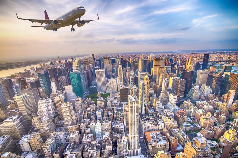 Fly over Manhattan - New York City i USA