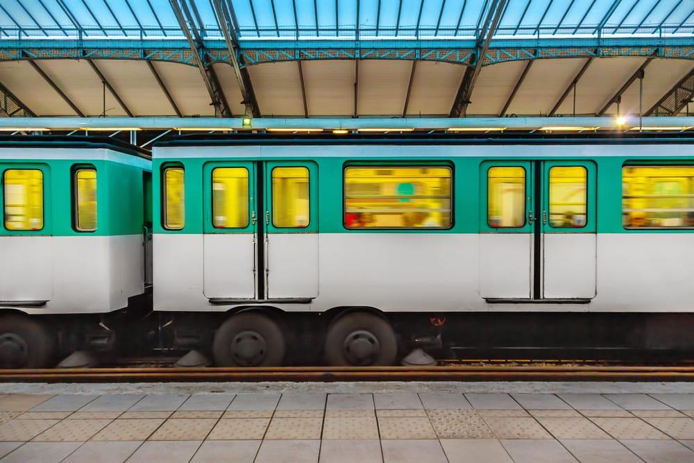 Metrostation - Paris i Frankrig
