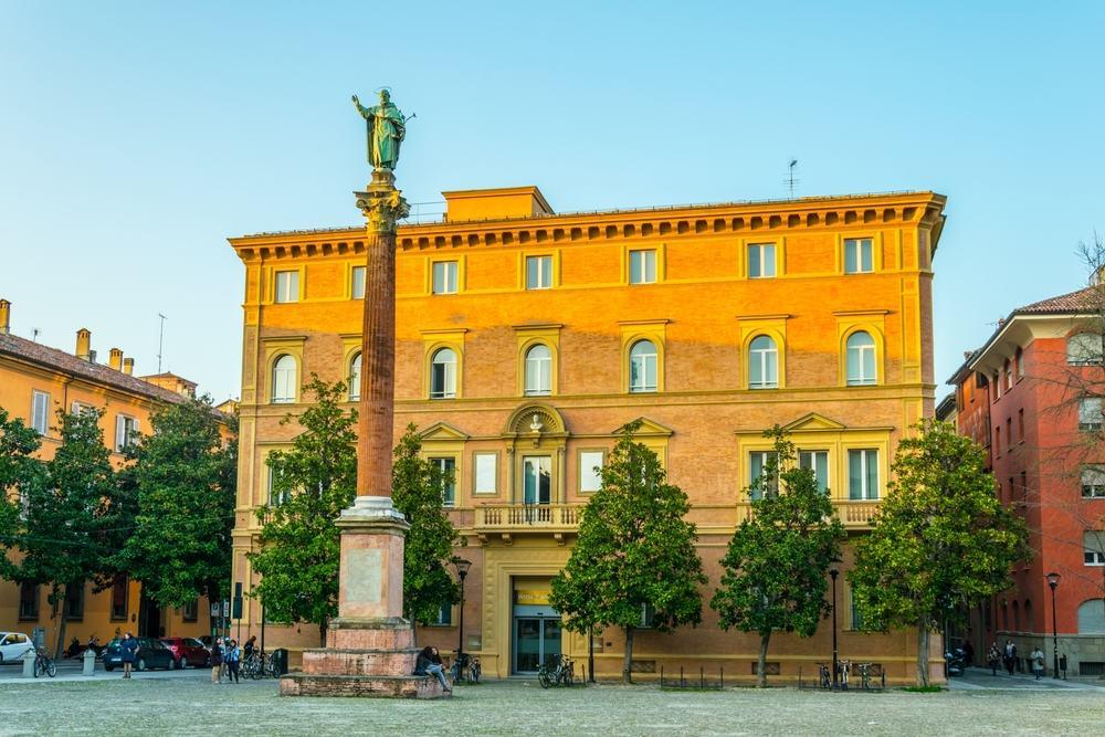 Saint Dominic Statuen - Bologna i Italien