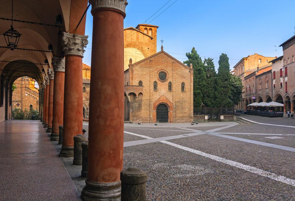 Santo Stefano - Torv i Bologna i Italien