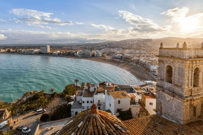 Udsigt fra Pave Lunas slot - Valencia i Spanien