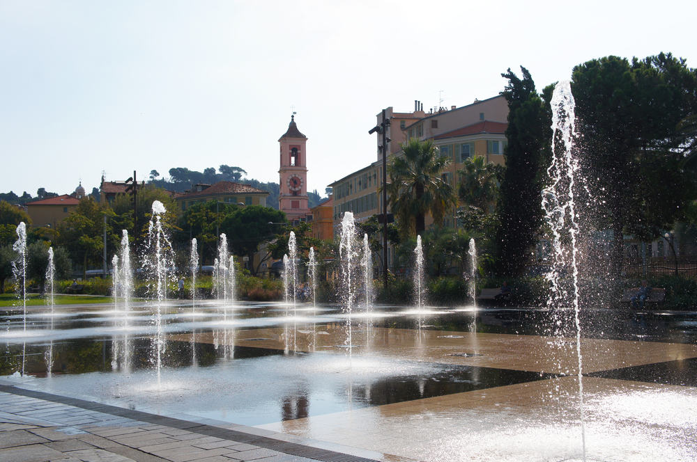 Springvand - Nice i Frankrig