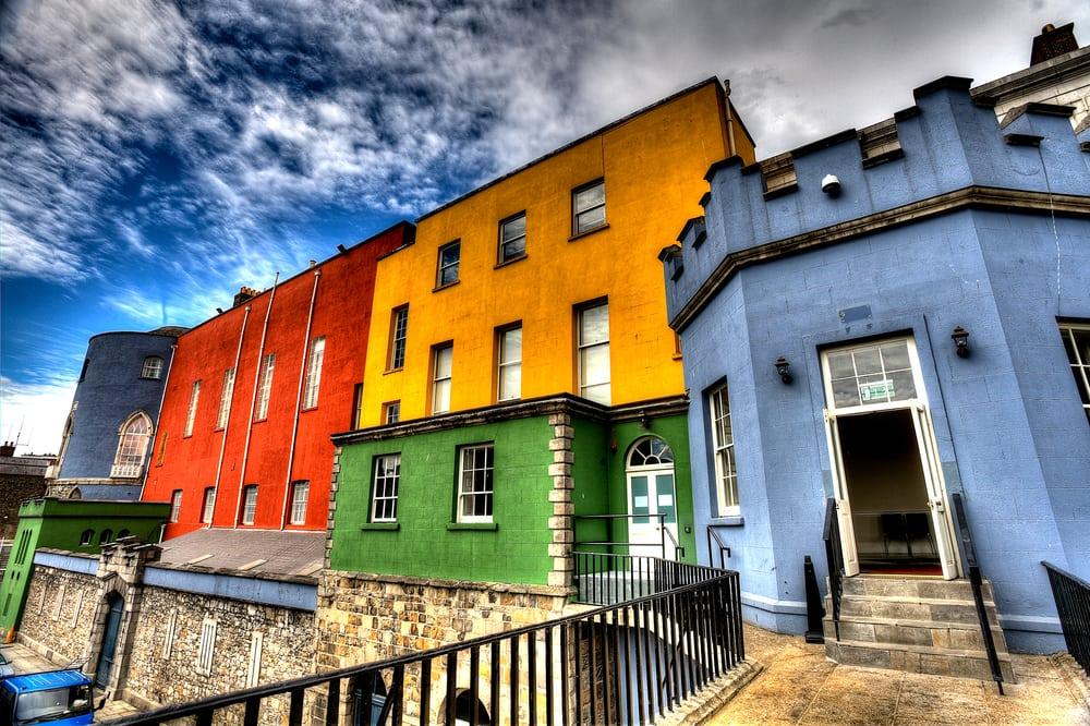 Farverige bygninger - Dublin i Irland
