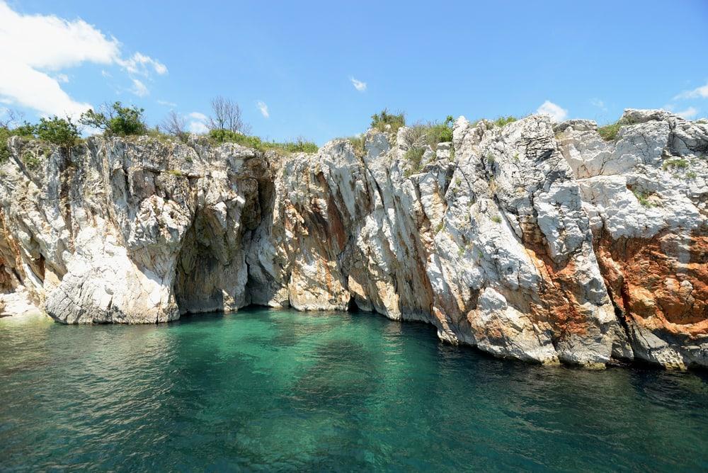 Grotte ved Rabac i Kroatien