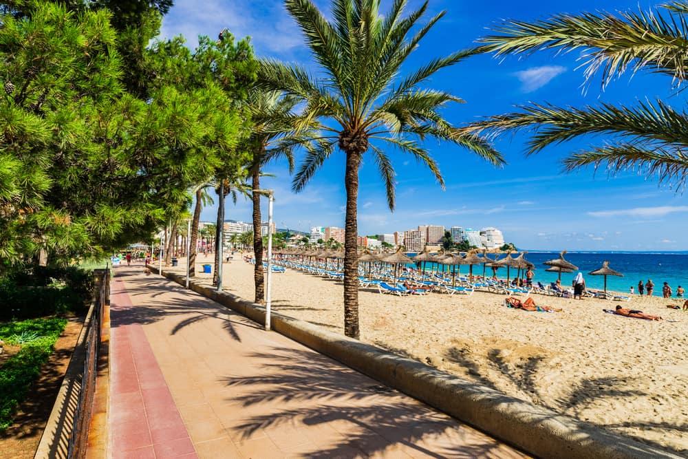 Strandpromenaden i Magaluf - Mallorca i Spanien