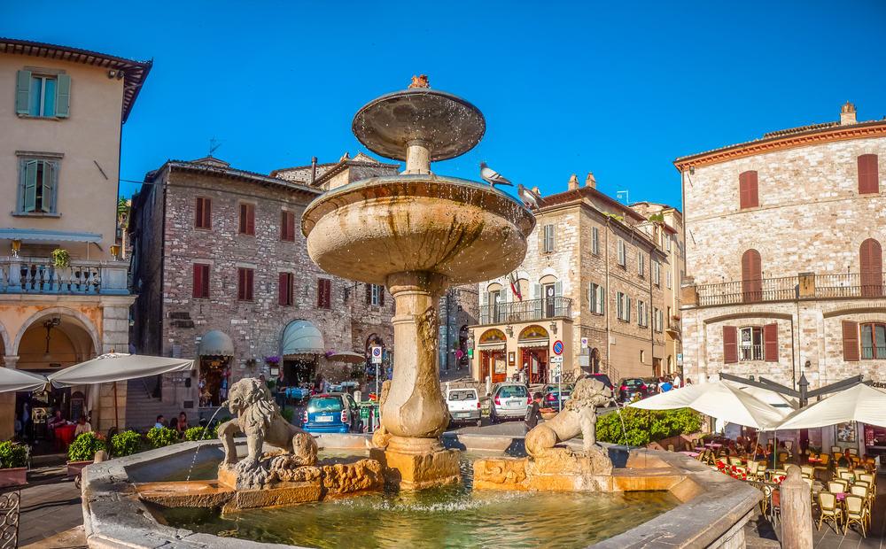 Torv i Assisi - Umbrien i Italien