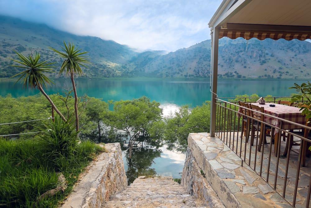 Udsigt over Kournas-søen - Kreta i Grækenland