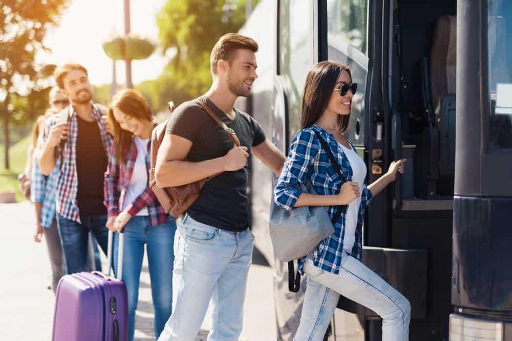 Rejs billigt med bus Grundlovsdag