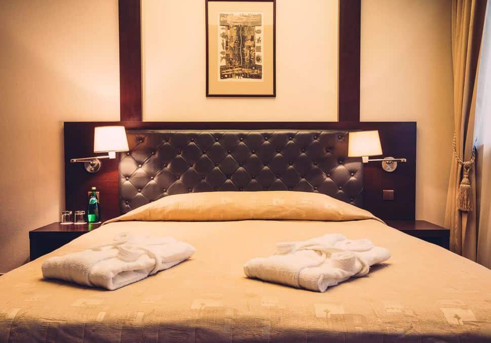 Bo på 4-stjernet hotel i Kaunas