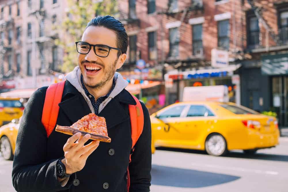 New York City - Mand spiser pizza