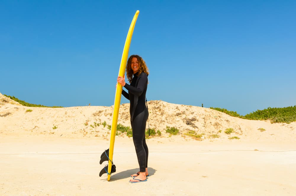Surfer i Peniche i Portugal