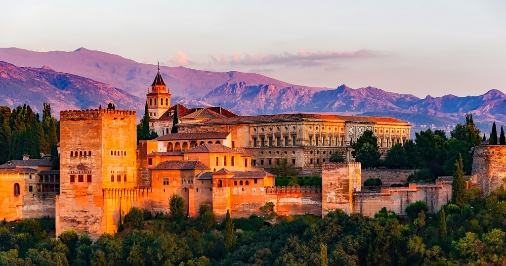 Spain - Granada Castle - travel - 5 great travel experiences - travel to spain