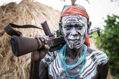エチオピア-ムルシ-部族の人々-旅行