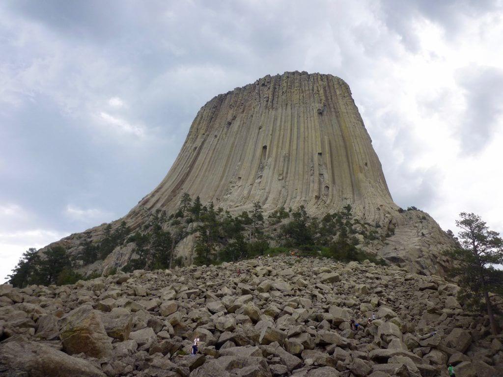 USA - Wyoming, Devils Tower og bjørnehistorien - besøg indianere - rejser