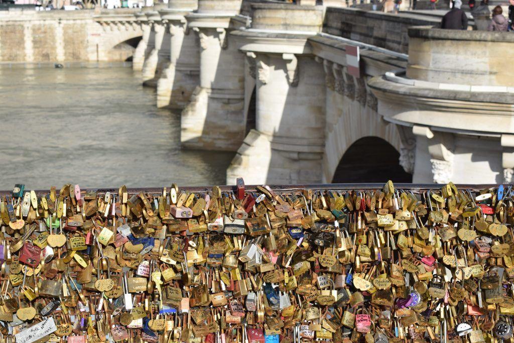 France - Paris, Pont Neuf - travel