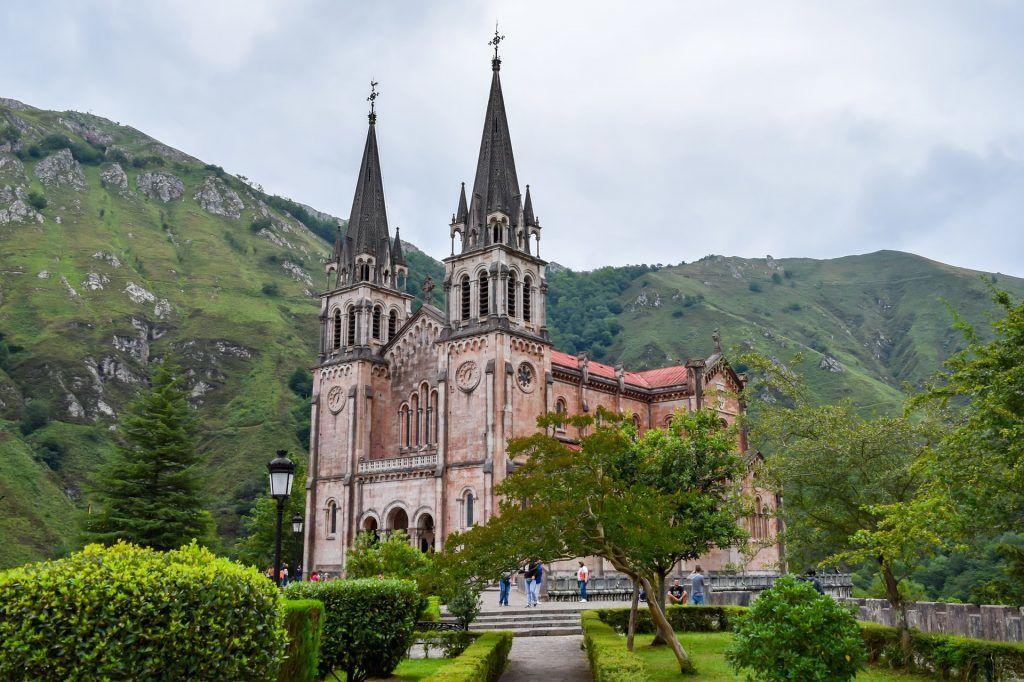 אסטוריאס - מנזר קובדונגה - חופשה באירופה