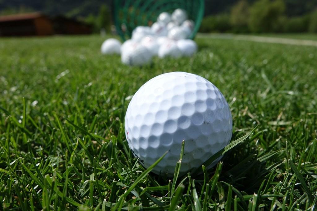 Golf - closeup af golfbolde - rejser