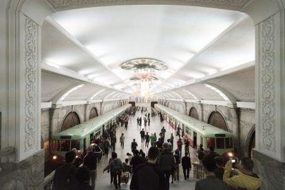 Nordkorea - Pyongyang, metro - rejser