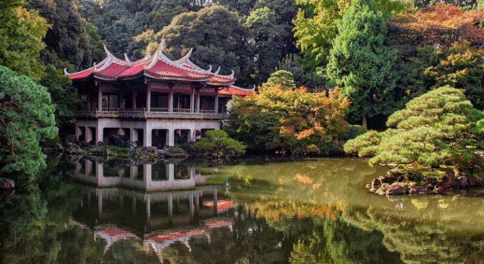 Japan - tempel natuur meer - reizen
