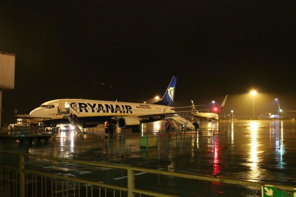 αεροπλάνο - αεροδρόμιο stansted Ηνωμένο Βασίλειο - ταξίδια