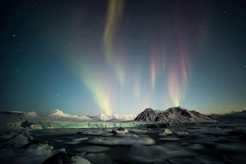 נורווגיה סוולבארד אורות הצפון -