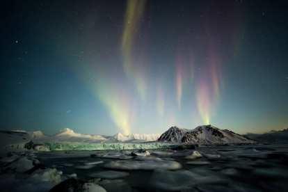 Norvegia Svalbard Northern Lights Travel -