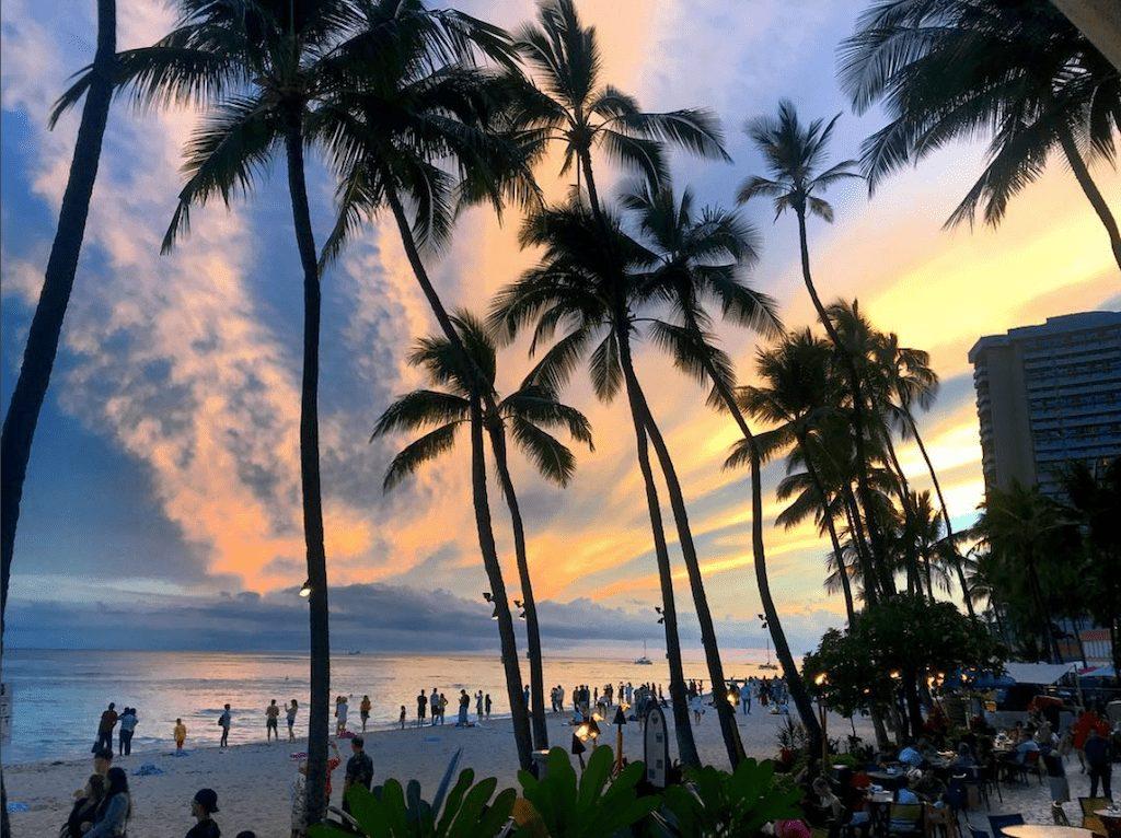 SAD - plaža zalaska sunca waikiki havaji - putovanja