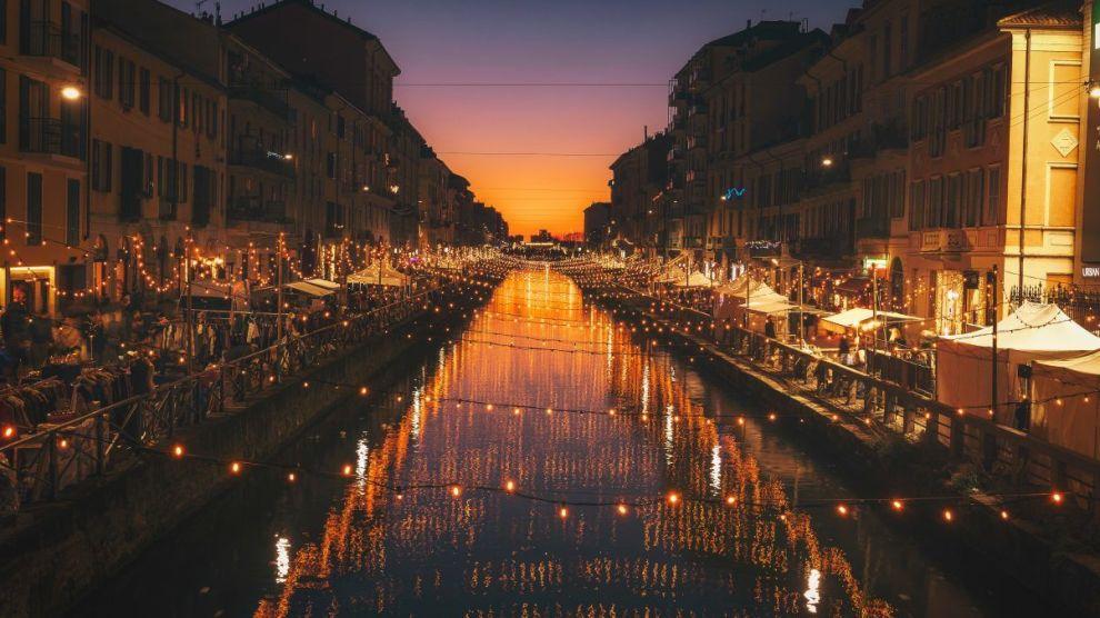 milano-italy-port-light-night