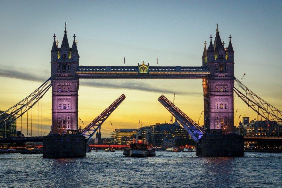 Tower bridge-London