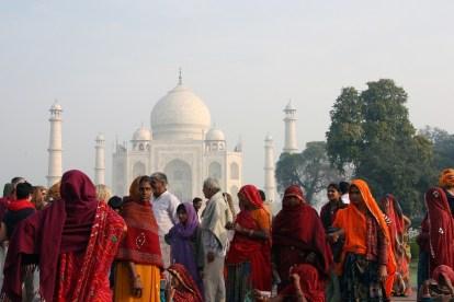 India - Agra, Taj Mahal, people - travel