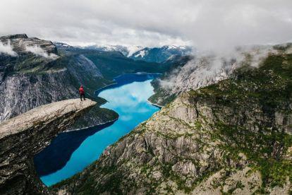 Norge - Trolltunga - fjord - berg