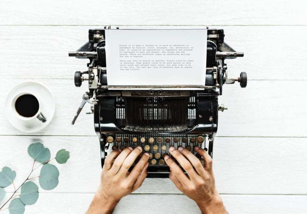 skriv rejseartikel rejser computer