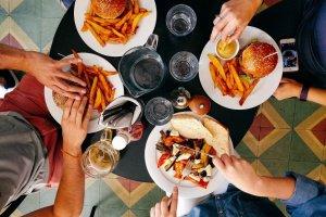People eat-food