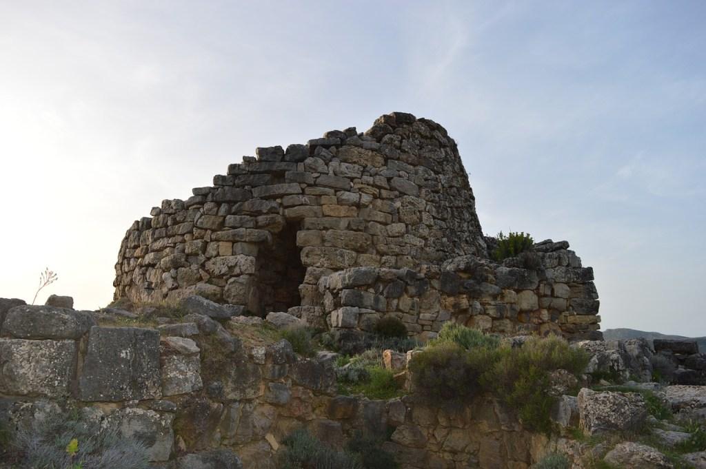 Italien - Sardinien. nuraghe - rejser