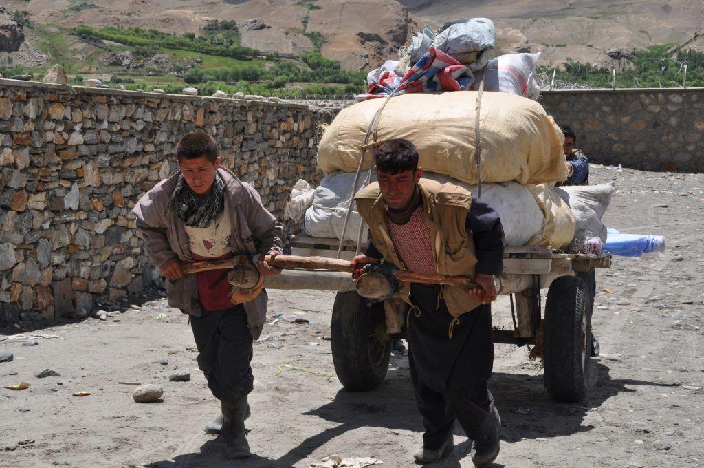タジキスタン-パミールハイウェイ-旅行-タジキスタン