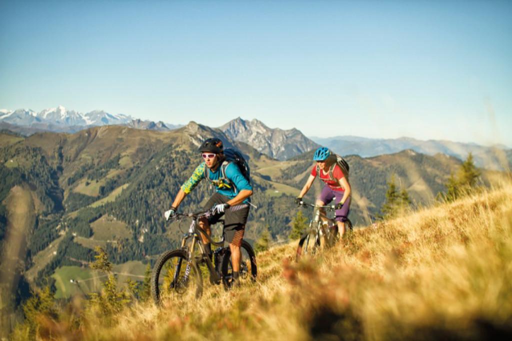 ऑस्ट्रिया - फ्लैचू - पर्वत बाइकिंग - पहाड़ - यात्रा